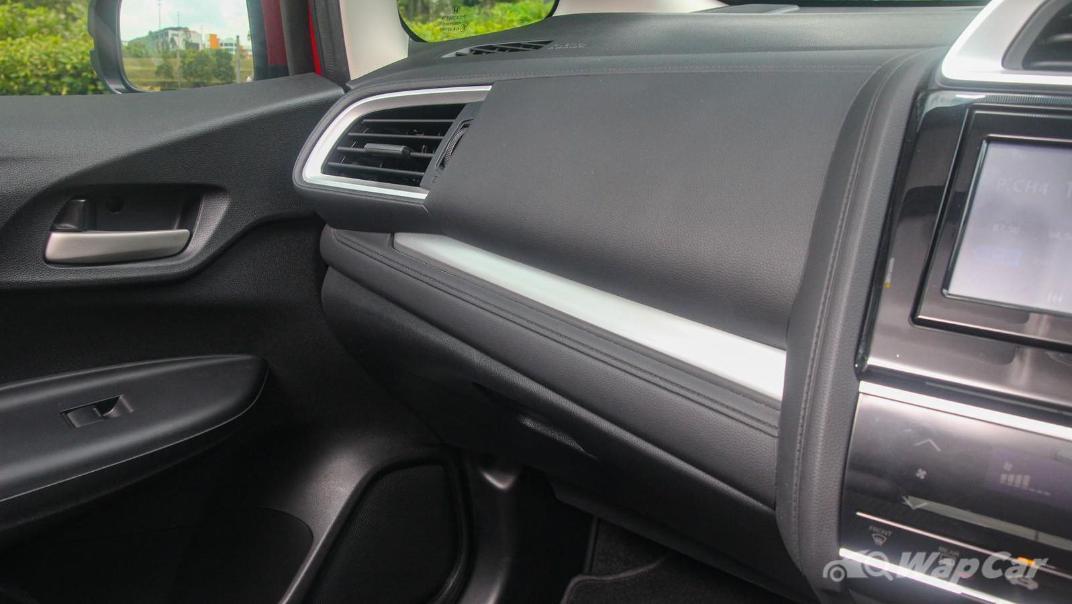 2019 Honda Jazz 1.5 V Interior 004
