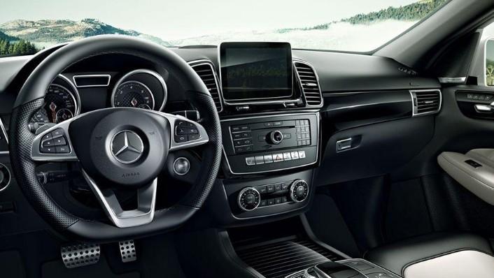 2019 Mercedes-Benz GLE GLE 450 4Matic AMG Line Interior 002