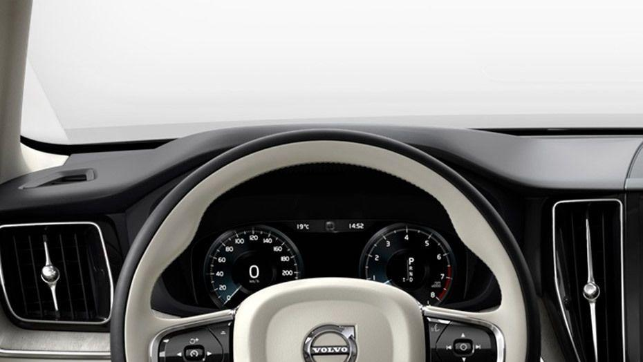 Volvo XC60 (2018) Interior 004