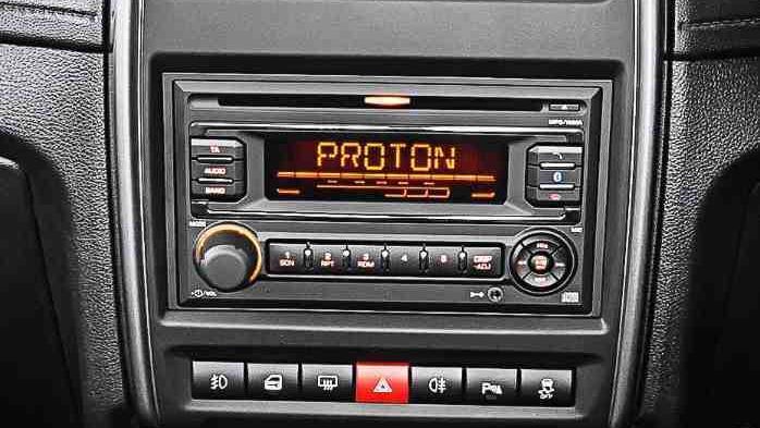 Proton Saga (2018) Interior 007