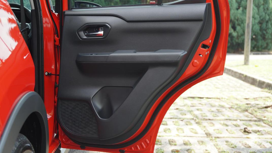 2021 Perodua Ativa 1.0L Turbo AV Special Metallic Interior 064
