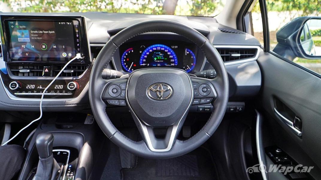 2020 Toyota Corolla Altis 1.8E Interior 003