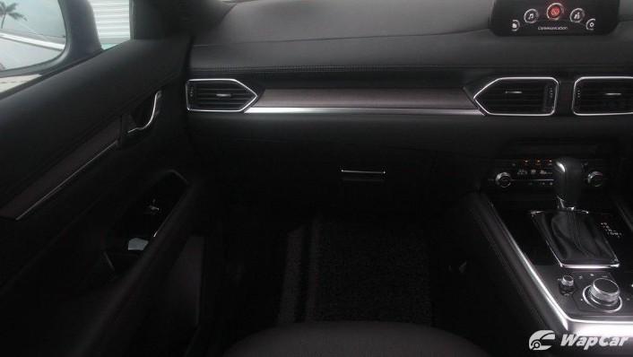Mazda CX-8 2.2 SKYACTIVE (2019) Interior 004