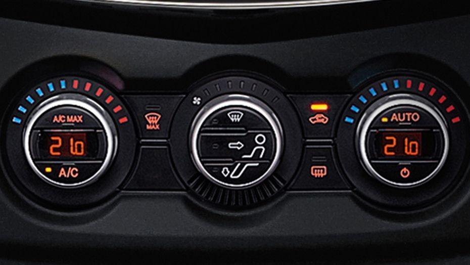 Mazda BT-50 (2018) Interior 004