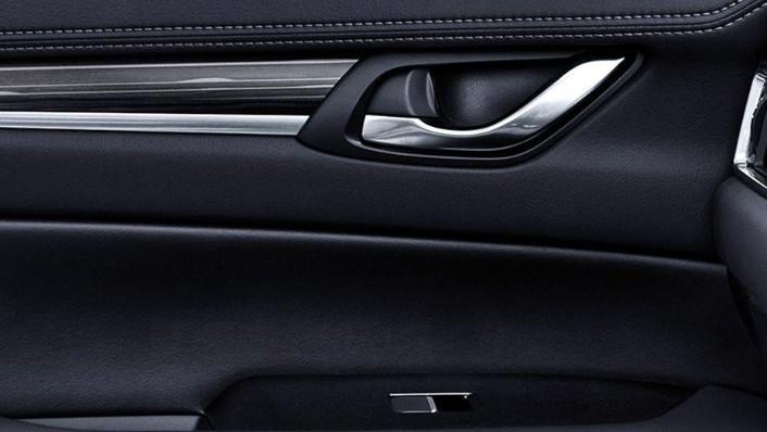 Mazda CX-5 (2018) Interior 008