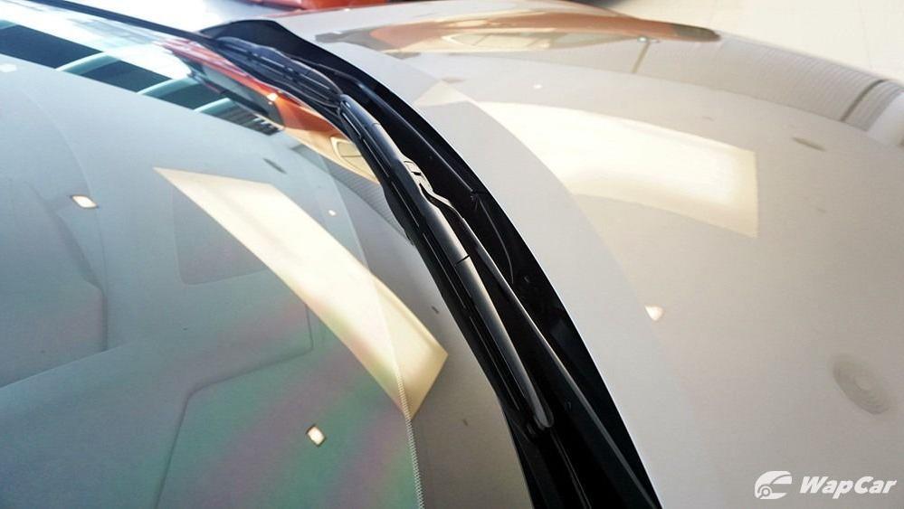 2020 Lexus UX 200 Luxury Exterior 017