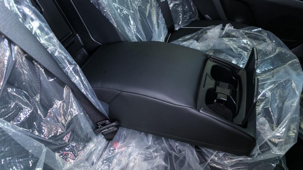 2019 Toyota Camry 2.5V Interior 033