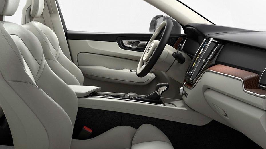 Volvo XC60 (2018) Interior 015