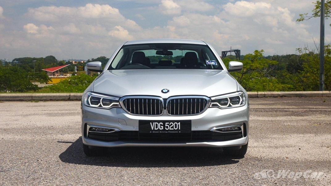 2019 BMW 5 Series 520i Luxury Exterior 002