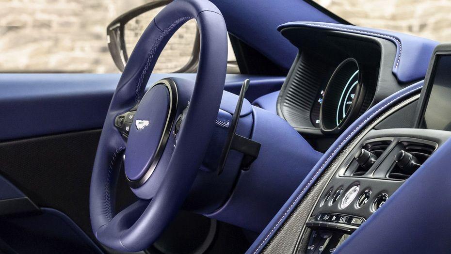 Aston Martin DB11 (2018) Interior 001