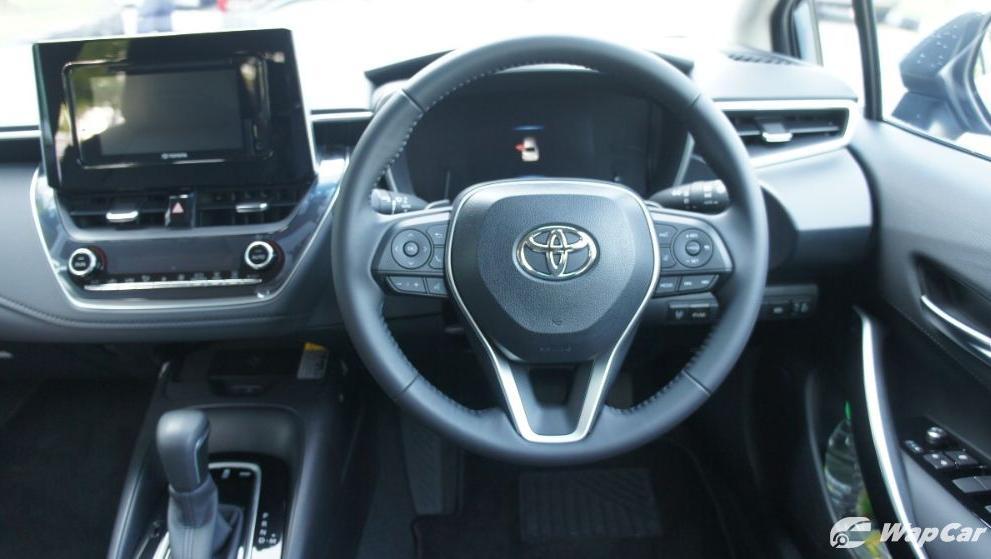 2019 Toyota Corolla Altis 1.8E Interior 003