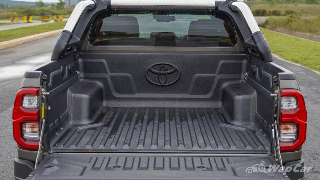 2020 Toyota Hilux Double Cab 2.8 Rogue AT 4X4 Exterior 023