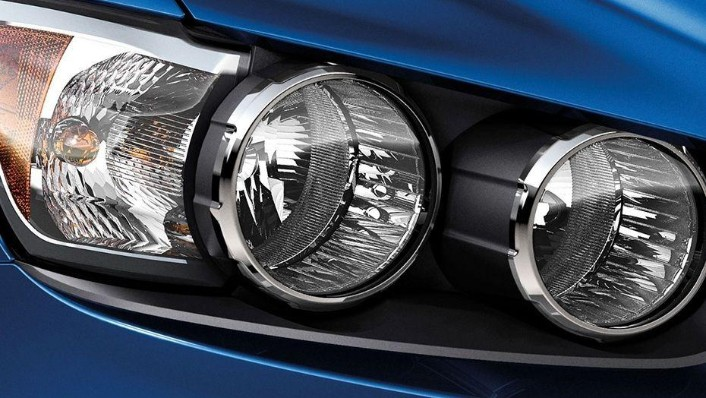 Chevrolet Sonic Sedan (2016) Exterior 003