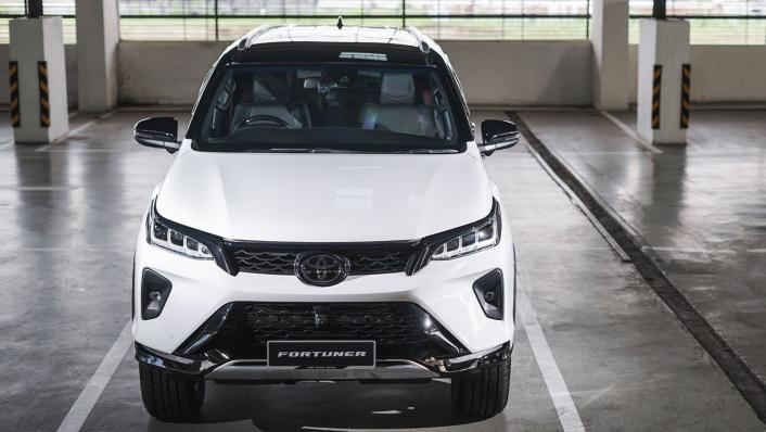 2021 Toyota Fortuner 2.8 VRZ AT 4x4 Exterior 002