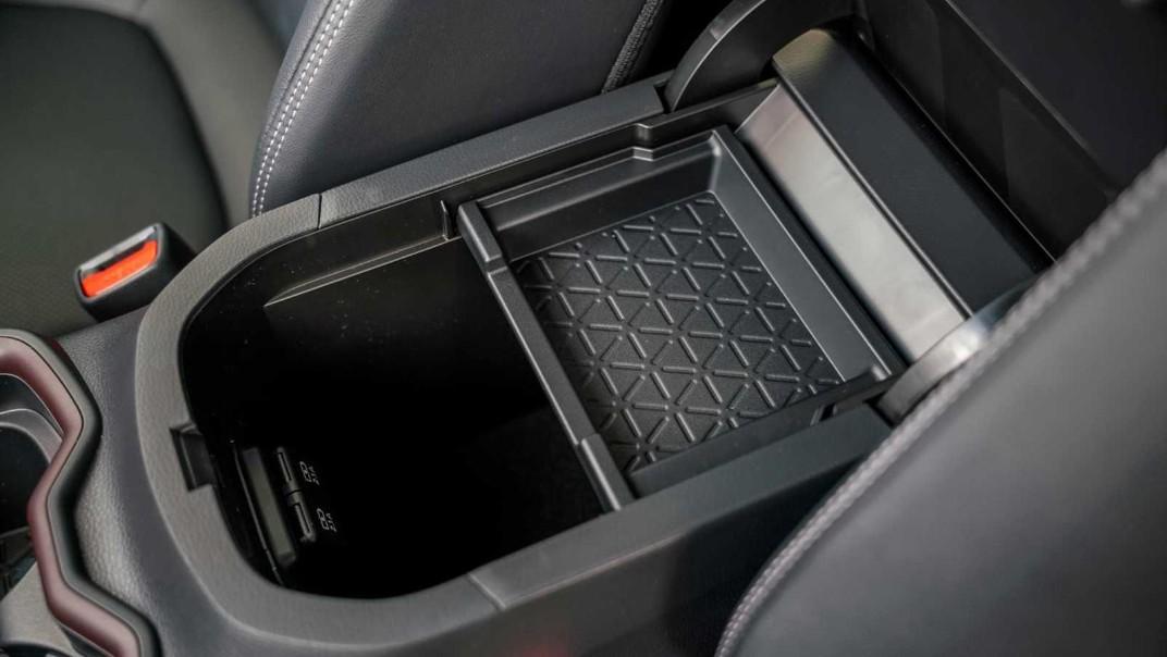 2020 Toyota RAV4 2.5L Interior 020