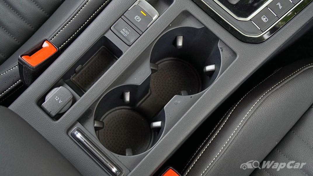 2020 Volkswagen Passat 2.0TSI Elegance Interior 030