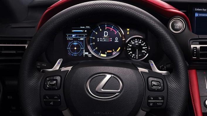 Lexus RC F (2020) Interior 002