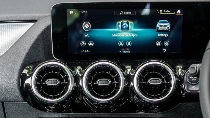2021 Mercedes-Benz GLA 200 Interior 006