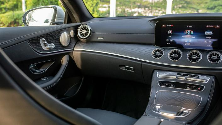 2021 Mercedes-Benz E-Class Coupe E300 AMG Line Interior 008