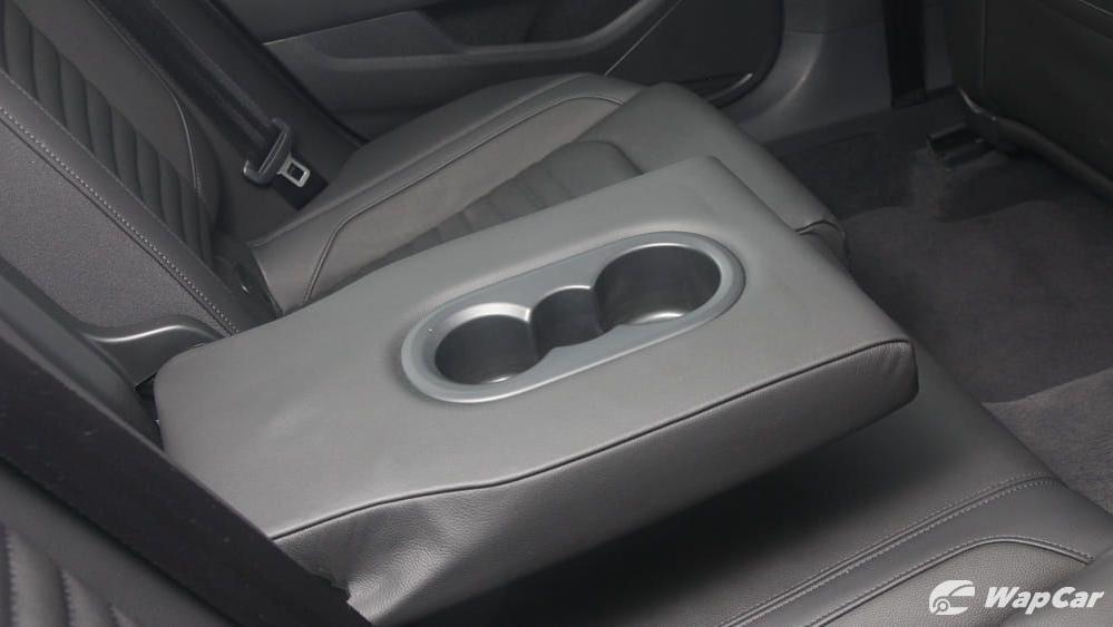 2018 Volkswagen Passat 2.0 TSI Highline Interior 044