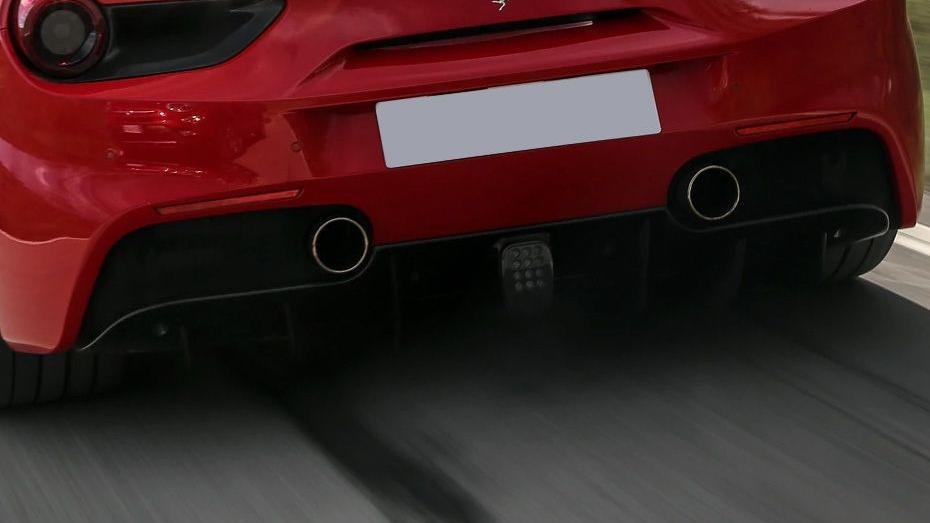 Ferrari 488 (2015) Exterior 018