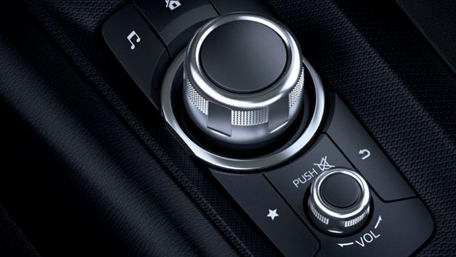 Mazda MX-5 (2018) Interior 001