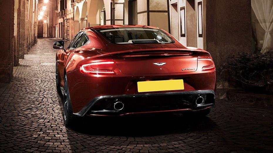 Aston Martin Vanquish (2018) Exterior 005