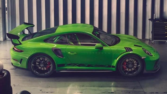 2019 Porsche 911 GT3 RS Exterior 002