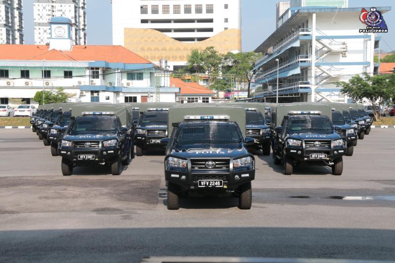 Toyota Hilux jadi pilihan terbaru kontinjen Polis Johor, ganti Land Rover lama! 02