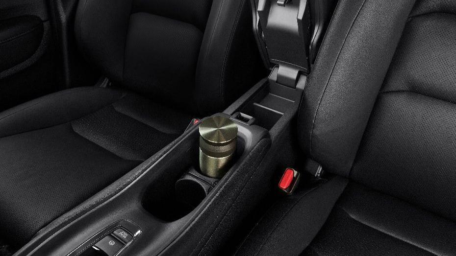 Honda HR-V (2019) Interior 009