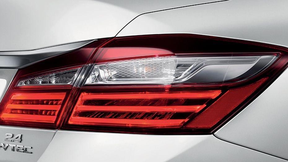 Honda Accord (2018) Exterior 014