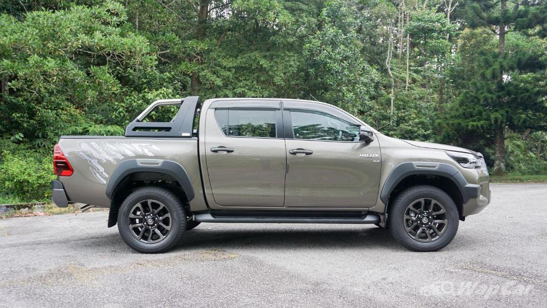 2020 Toyota Hilux Double Cab 2.8 Rogue AT 4X4 Exterior 062