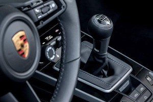 The Porsche 911 (992) is now available with a manual transmission in Europe