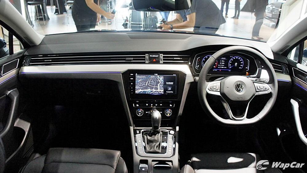 2020 Volkswagen Passat 2.0TSI Elegance Interior 086