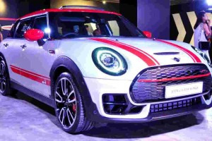 2019 MINI John Cooper Works Clubman breaks tradition with 310 PS