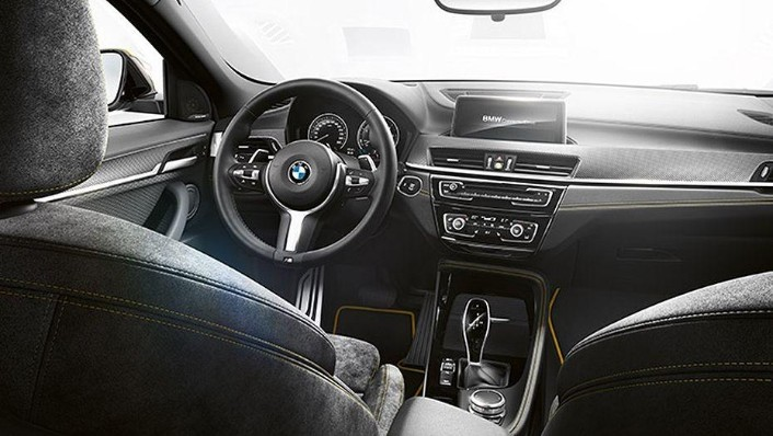 BMW X2 (2019) Interior 001