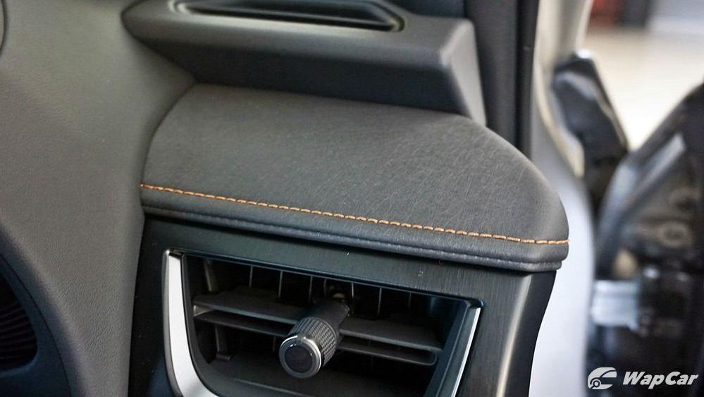 2020 Lexus UX 200 Luxury Interior 031