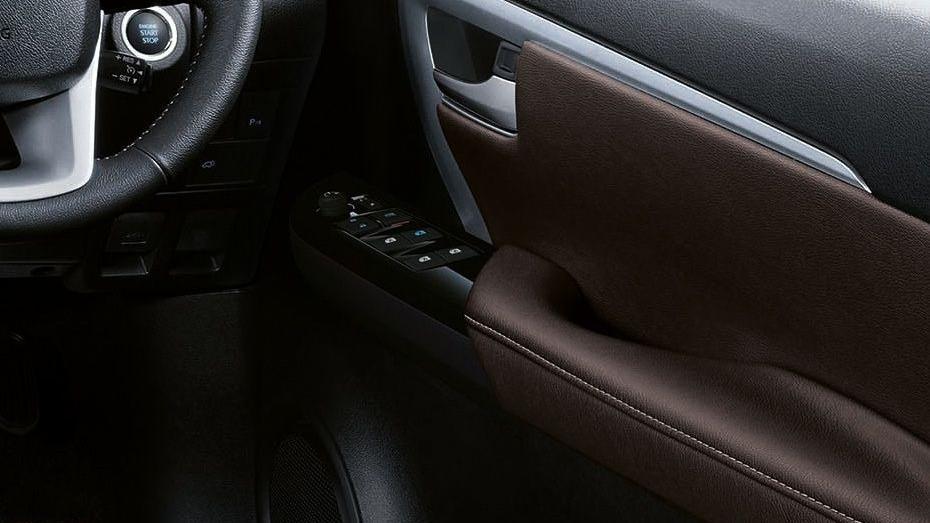 Toyota Fortuner (2018) Interior 004