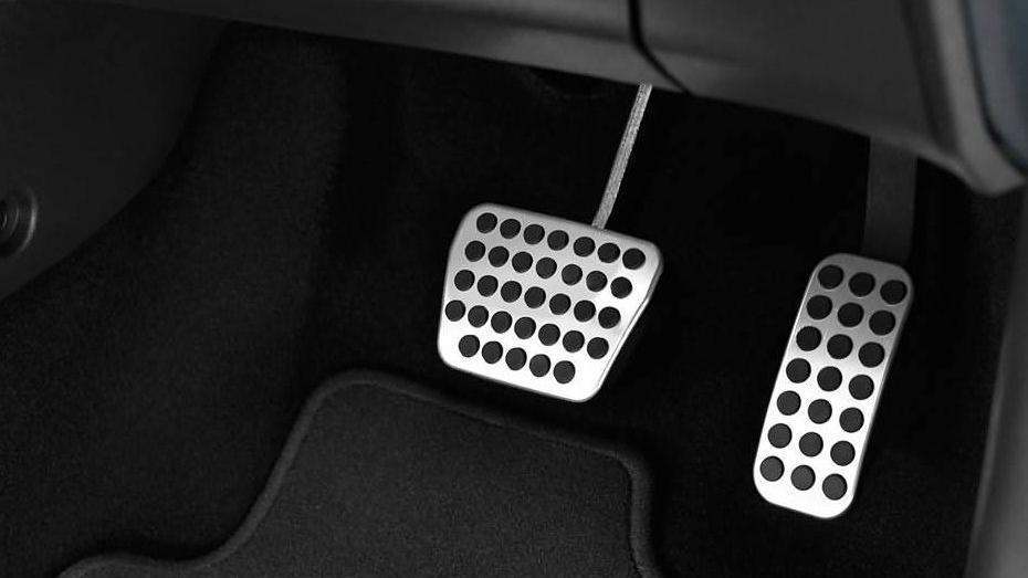 Ford Fiesta (2017) Interior 007