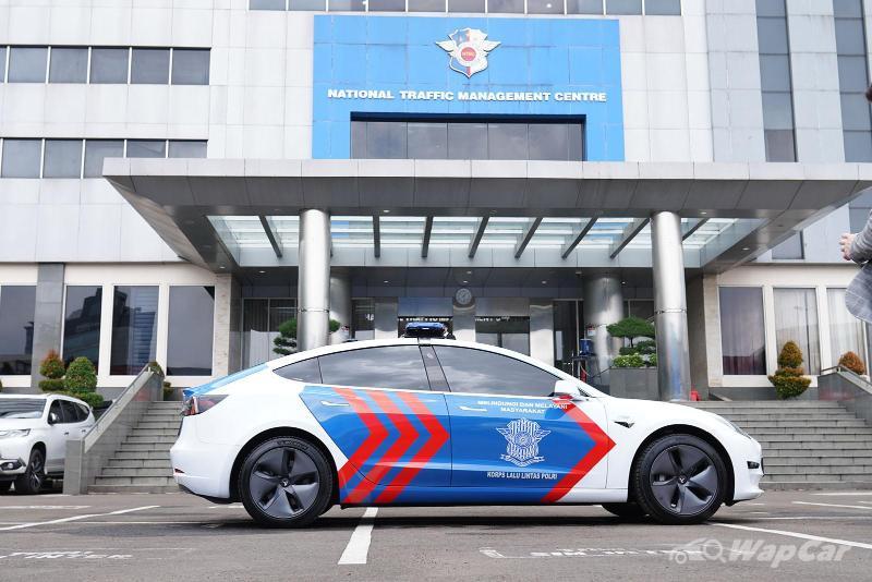Tesla Model 3 joins Indonesian Police fleet in effort to promote EVs 02