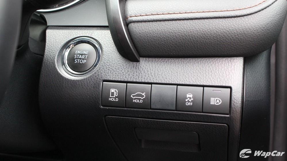 2019 Toyota Camry 2.5V Interior 048