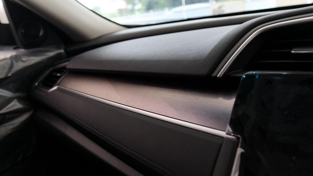 2018 Honda Civic 1.5TC Premium Interior 036