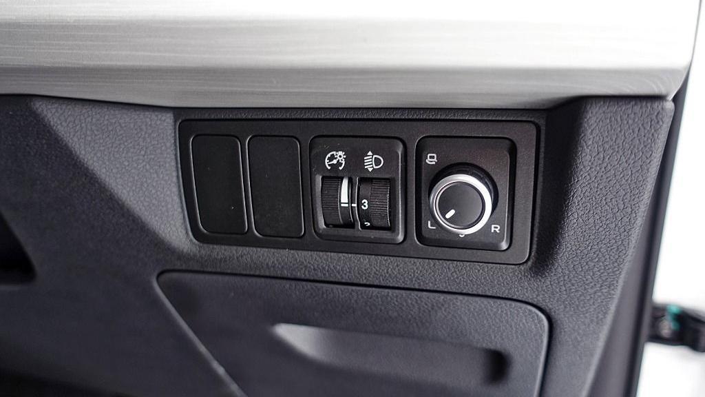 2018 Proton X70 1.8 TGDI Executive AWD Interior 036