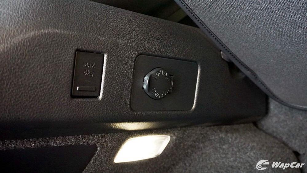 2020 Lexus UX 200 Urban Interior 059