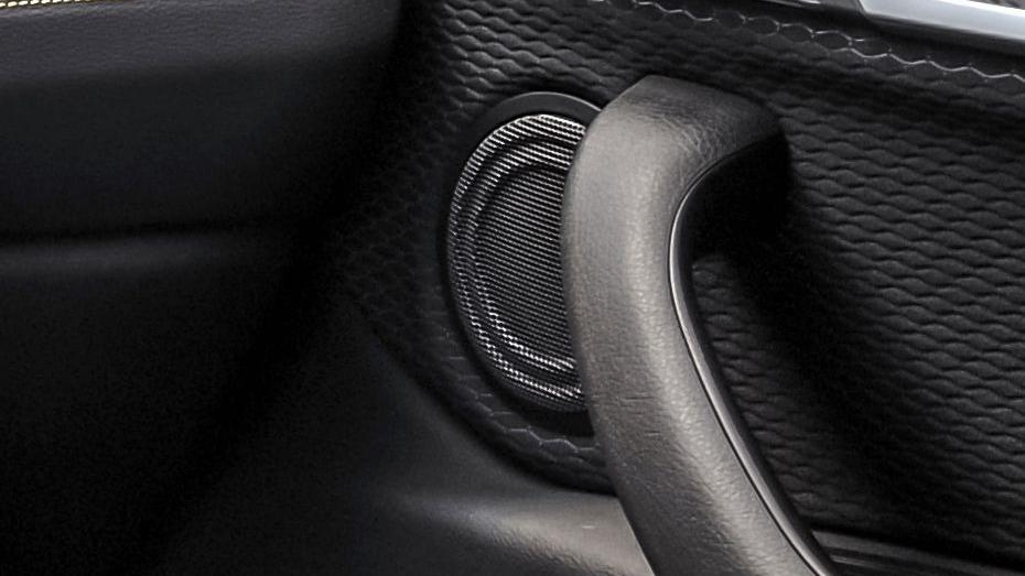 BMW X2 (2019) Interior 008