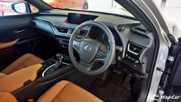 2020 Lexus UX 200 Luxury Interior 002