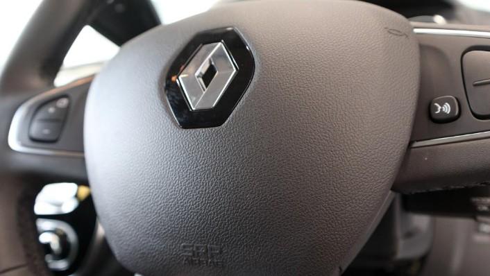 2017 Renault Captur TCe 120 EDC (CKD) Interior 006