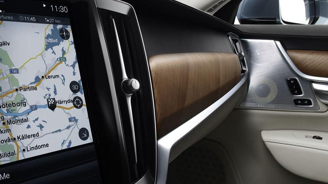 2020 Volvo S90 Interior 004