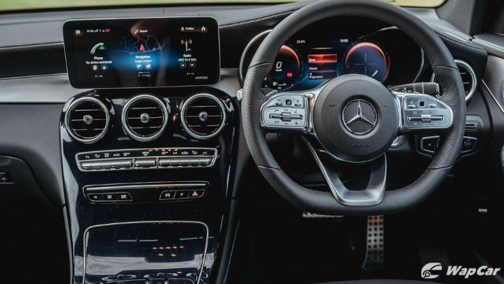 2020 Mercedes-Benz GLC 300 4MATIC Coupé Interior 001