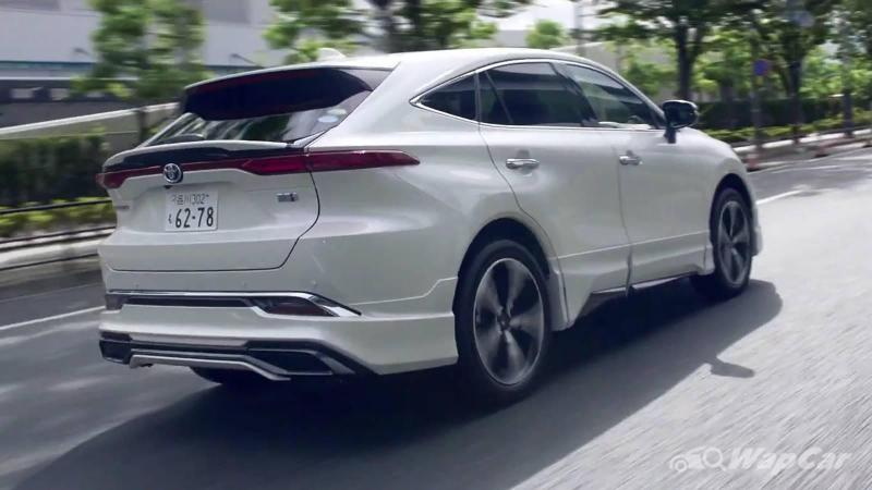 Some say the Modellista-modified 2021 Toyota Harrier ruins the subtlety - what say you? 02